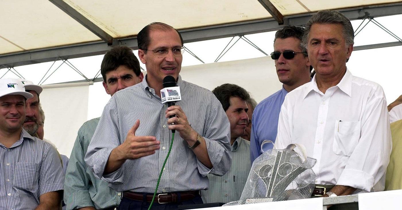 O vice-governador Geraldo Alckmin em 2000: urna eletrônica prejudicou Francisco Rossi, cujo eleitorado desconhecia seu número. Foto: Governo do Estado de São Paulo