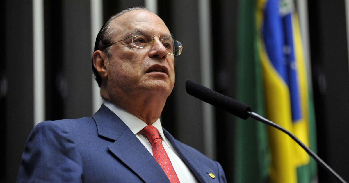 Paulo Maluf defendeu argualmente a proibição do fumo em restaurantes. Foto: Leonardo Prado/Câmara dos Deputados