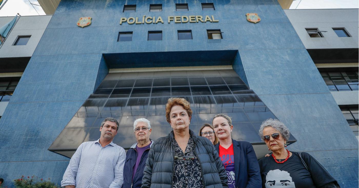 Dilma, Gleisi e grande elenco impedidos de visitar Lula. Foto: Ricardo Stuckert