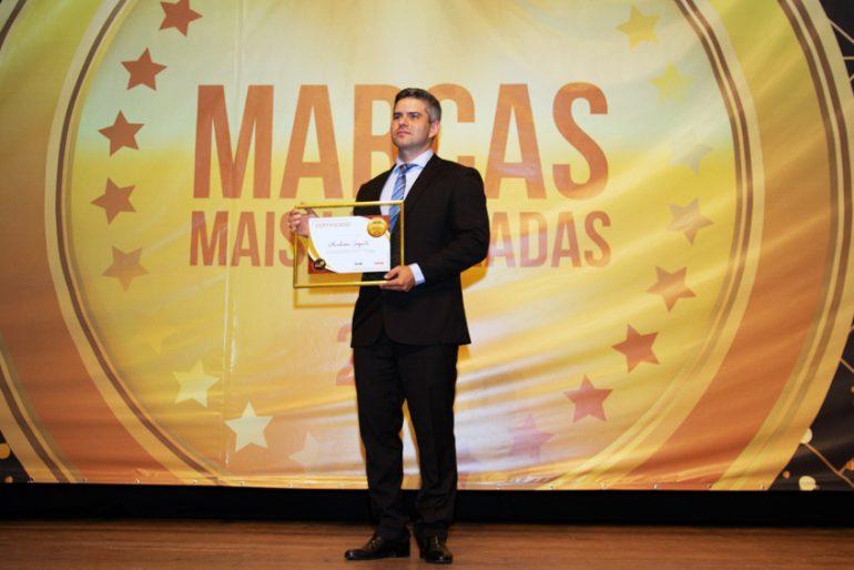 O secretário Gomes Vieira: reconhecimento de marcas incluiu homenagem à Vale. Foto: Filipe Augusto/Revista DeFato