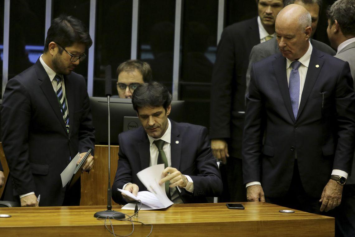 O ministro do Turismo: no melhor estilo Ciro Gomes. Foto: Wilson Dias/Agência Brasil
