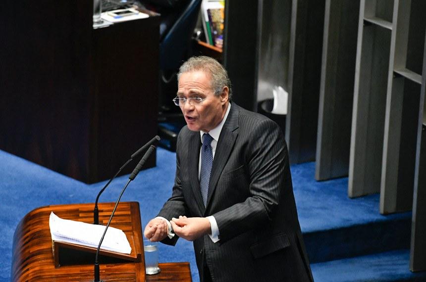 Renan desistindo: filho do Presidente anunciou voto em rival. Foto: Edilson Rodrigues/Agência Senado