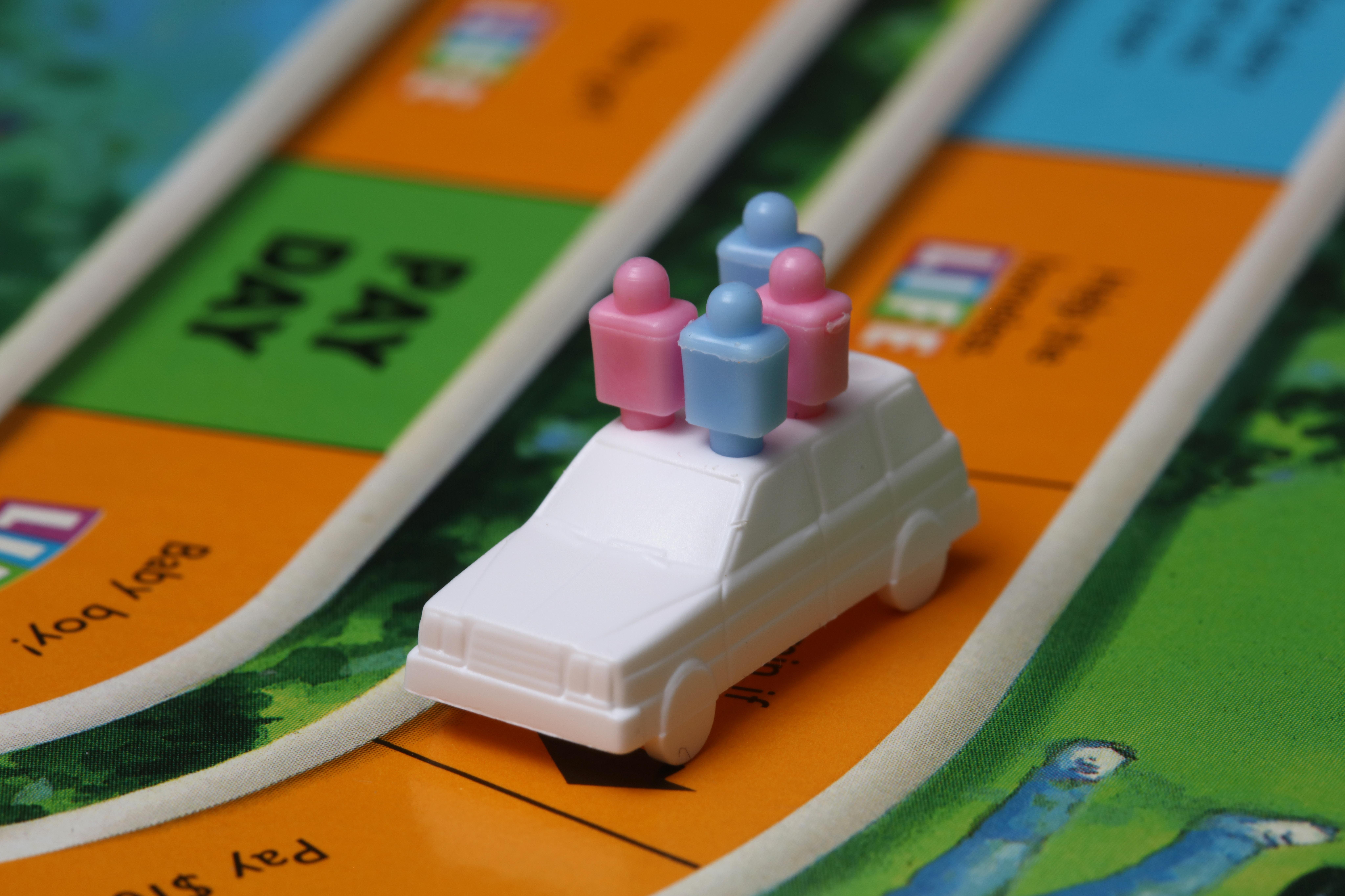 De rosa ou azul, petistas brincam de SimCity, já que não há trabalho para fazer. Foto: Randy Fath/Unsplash